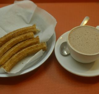 Churros y chocolate al estilo Madrid | El Informador
