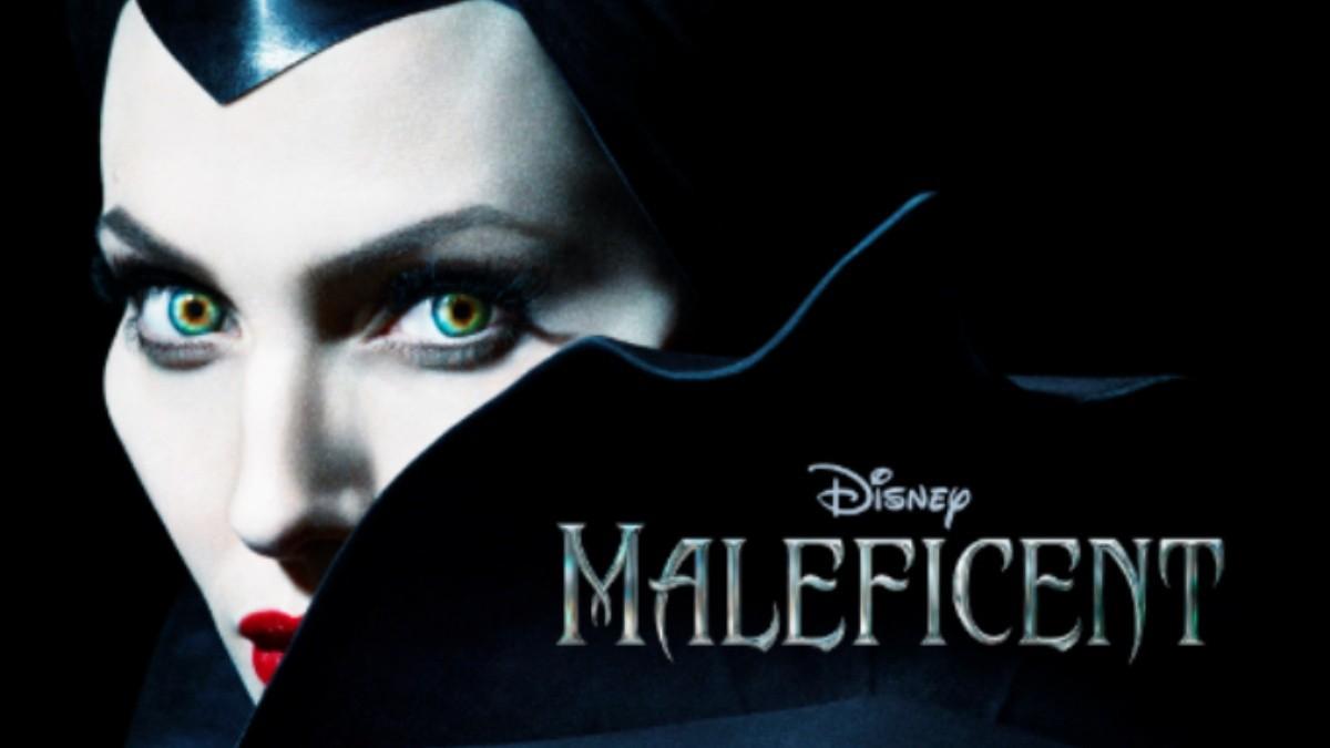 Angelina Jolie Luce Malefica En Cartel De Disney El