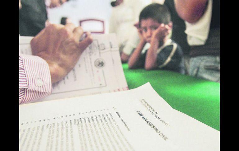 Registran a 13 mil hijos de forma tardía cada año | El Informador ...