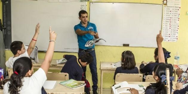 Necesario educar en valores para la vida snte el for Educar en el exterior