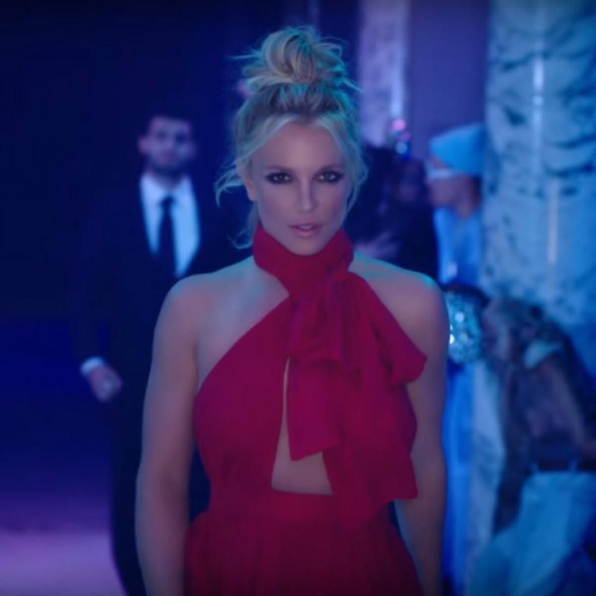 Britney Spears, muy sensual en 'Slumber party' | El Informador