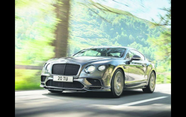 Ya sea coupé o convertible, el auto enseña el sello deportivo de la casa. ESPECIAL / BENTLEY
