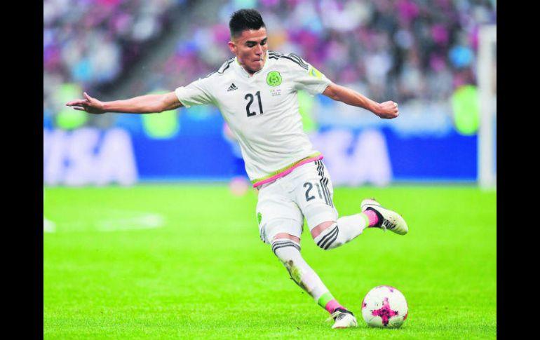 Luis Reyes reconoce que hace unos años pensó retirarse del futbol, pero su familia le brindó apoyo y cambió su decisión. AFP /