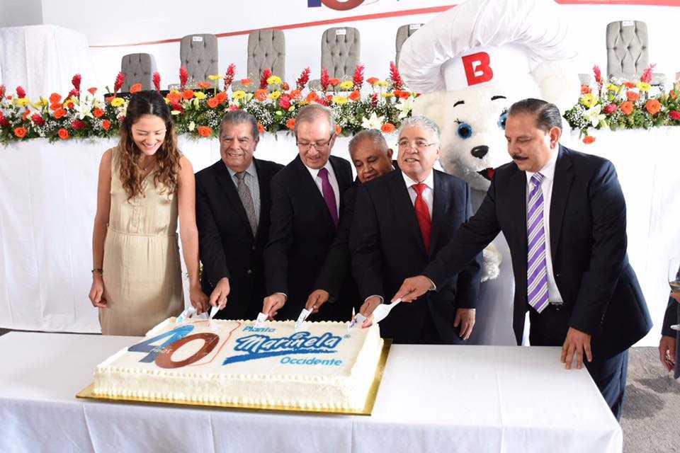 Durante la ceremonia, se agradeció a los trabajadores y ex trabajadores de la empresa.  ESPECIAL / Sedeco