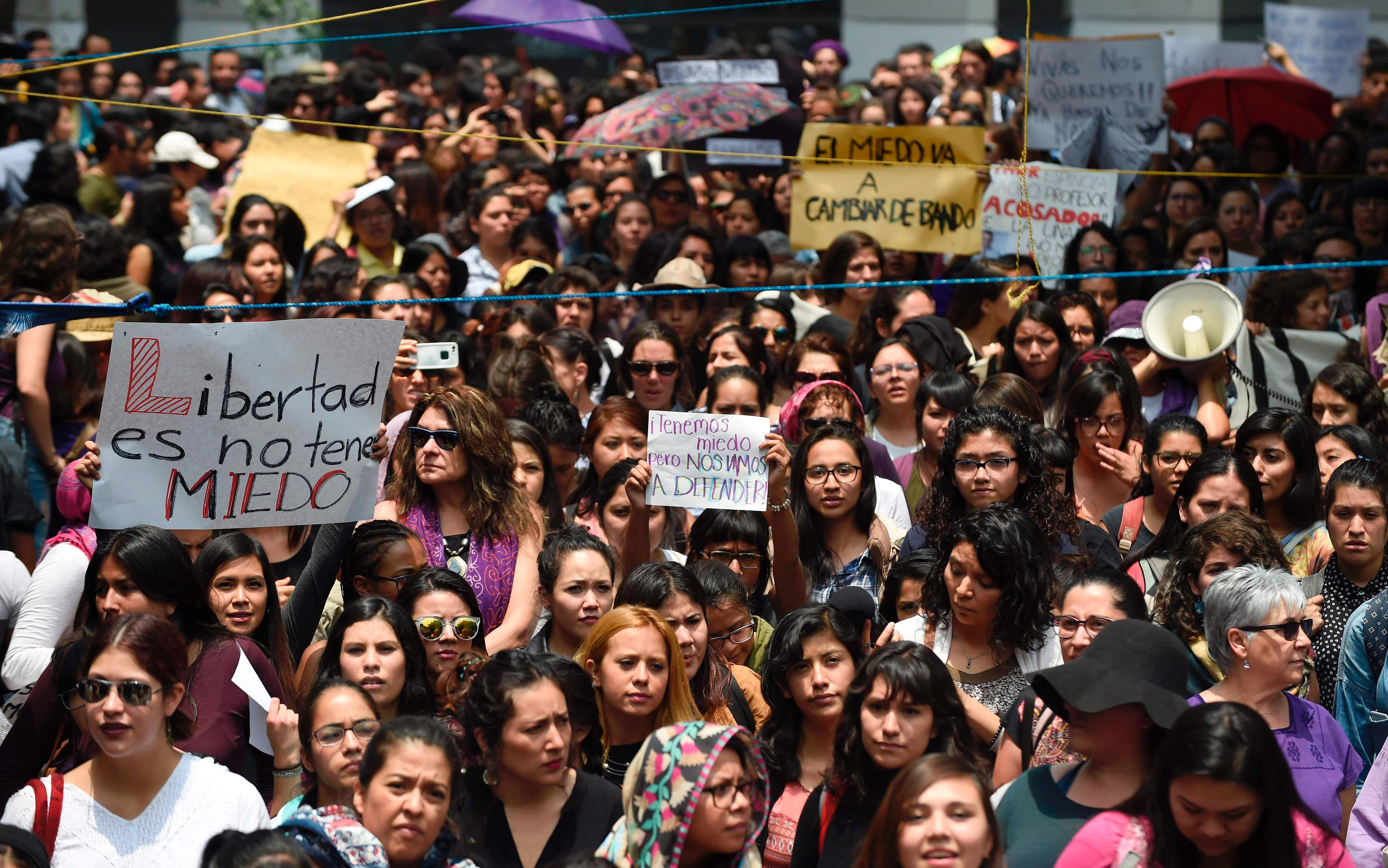 Exigen comparecer a funcionarios por feminicidios en sinaloa