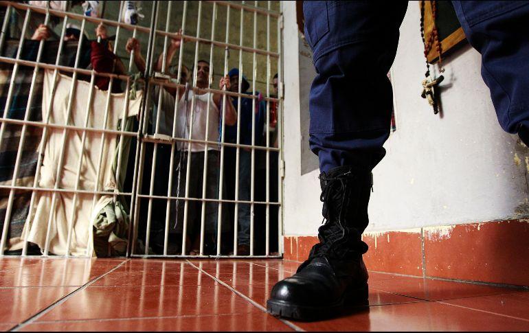 Una riña en el penal de Ciudad Guzmán deja tres internos muertos