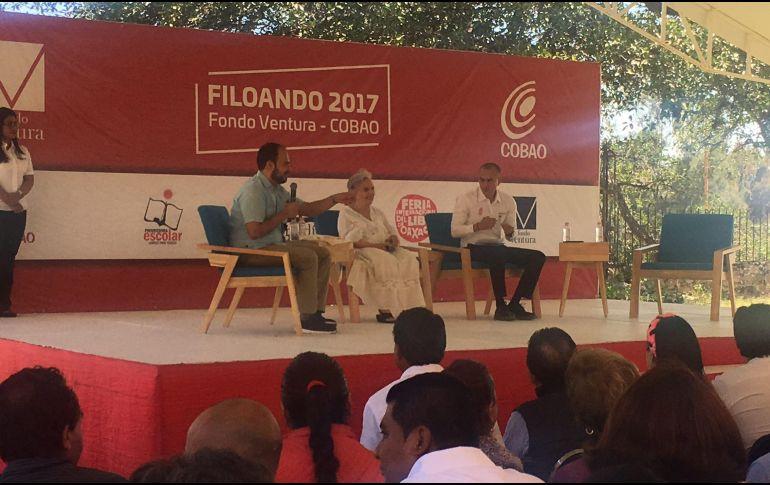 Elena Poniatowska llama