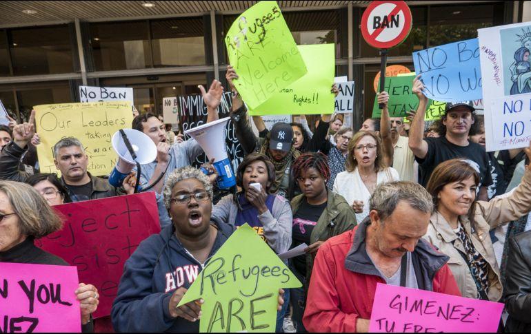Ciudades 'santuario' celebran victoria en la corte y redoblan desafío a Trump