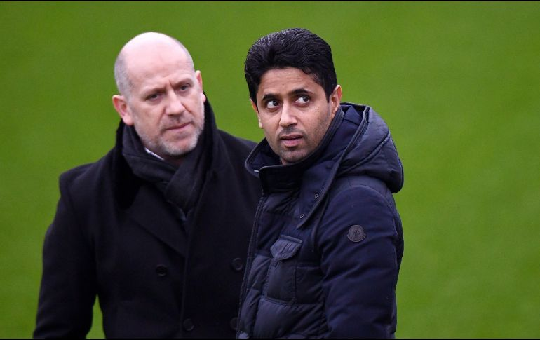 El presidente del club Paris Saint-Germain, Nasser Al-Khelaifi (d). AFP / F. Fife