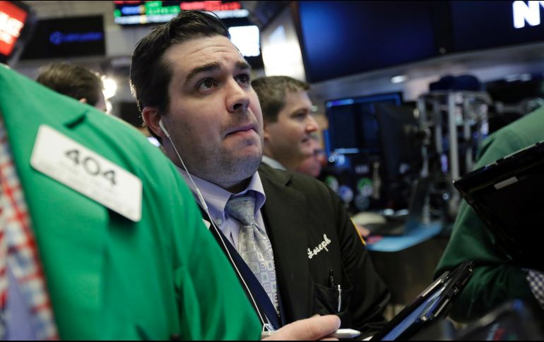 Wall Street sube a máximo histórico por avance de plan fiscal