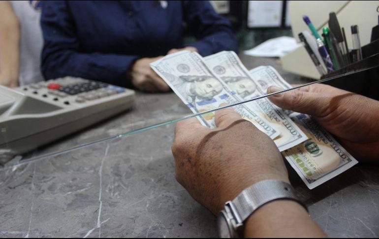 Octubre rompe récord en remesas: Banco de México