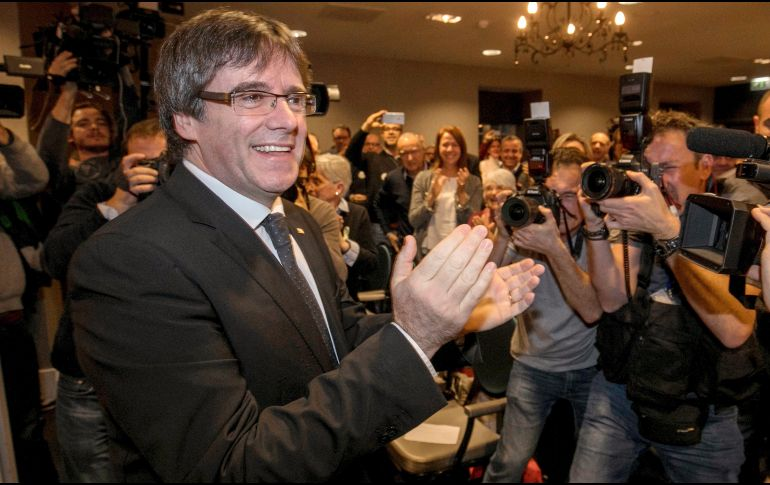 España: Tribunal ordenó retirar la orden de captura contra Carles Puigdemont