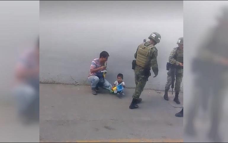 Soldado mexicano enternece a las redes sociales por esta acción