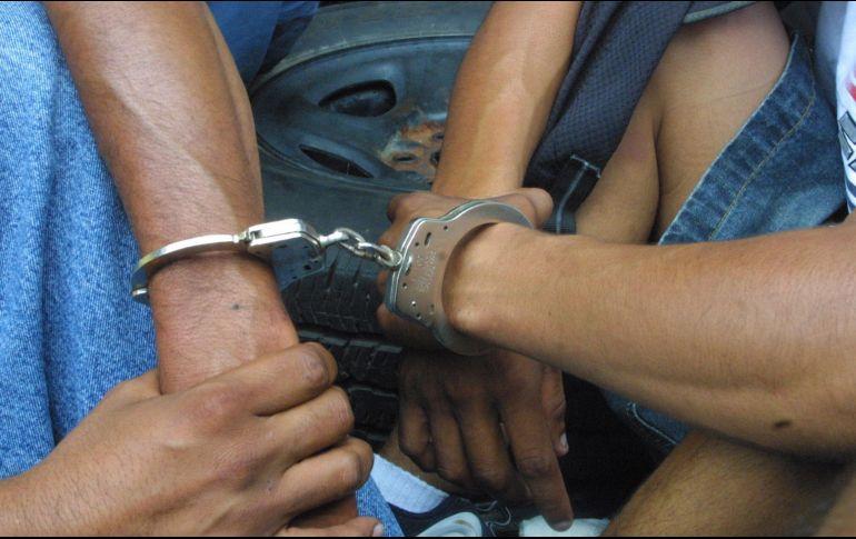 Detienen a 16 hombres por narcomenudeo en la CDMX