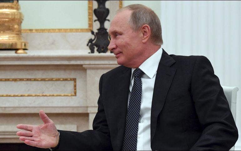 Putin visita aeródromo militar ruso Hmeimim en Siria
