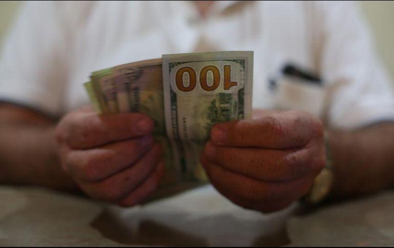 Dólar se vende a 20 pesos en ventanillas bancarias