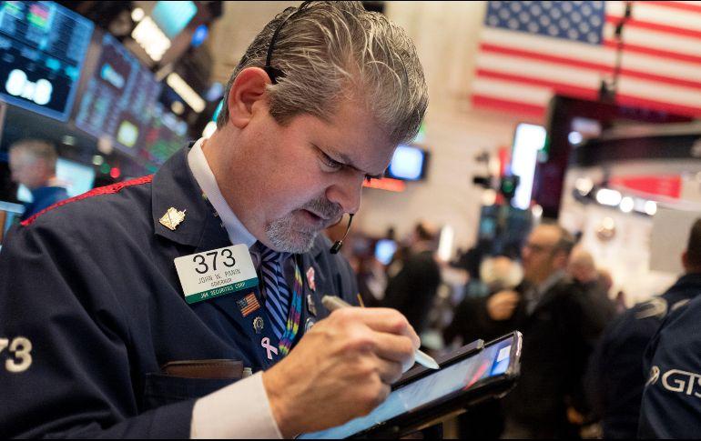 Wall Street inicia 2018 en territorio positivo