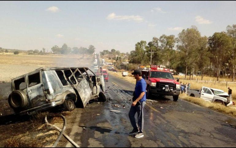 Mueren dos tras choque en San Juan de los Lagos