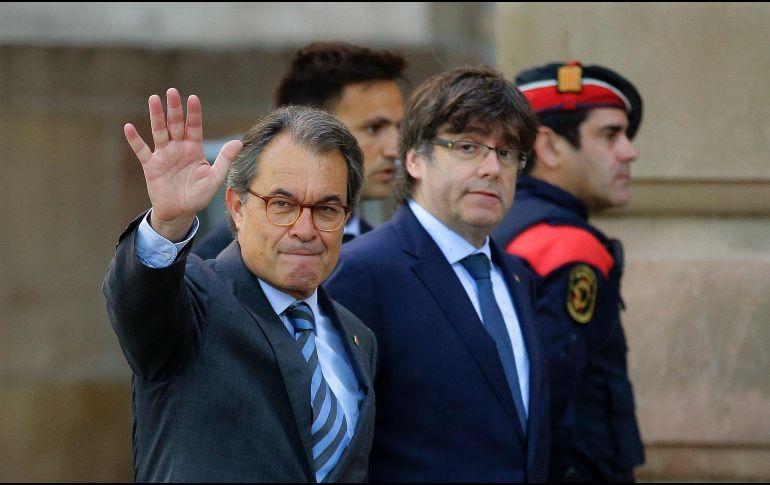 Puigdemont logra acuerdo para volver a presidir la Generalidad — Cataluña