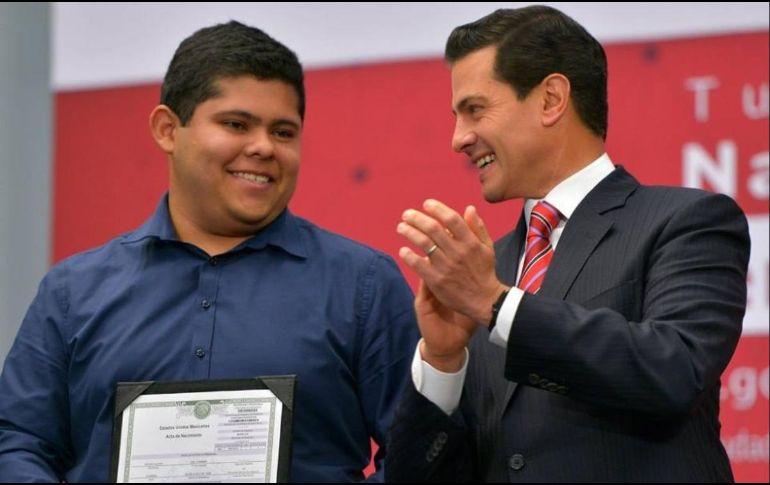 Peña Nieto presenta Acta de Nacimiento en Línea   El Informador ...