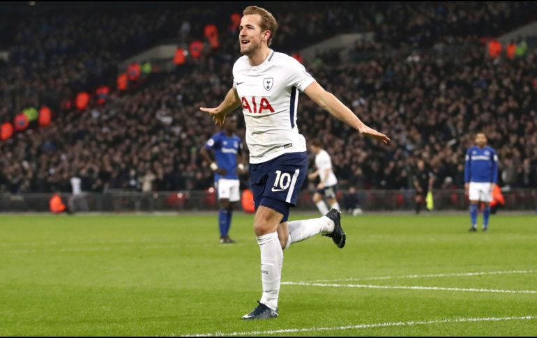 Otra vez Kane: Tottenham goleó y se acercó a la Champions