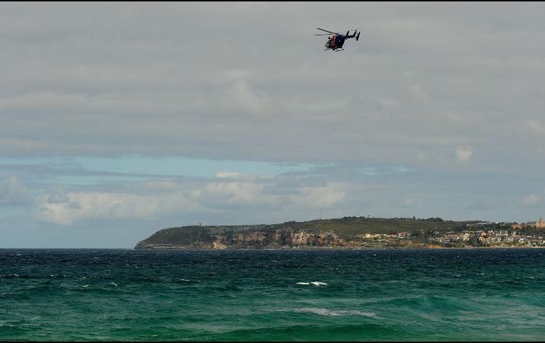 Dron salvavidas rescata a nadadores atrapados por la manera en Australia