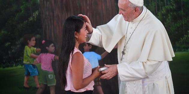 El Papa condena esclavitud y prostitución en Perú