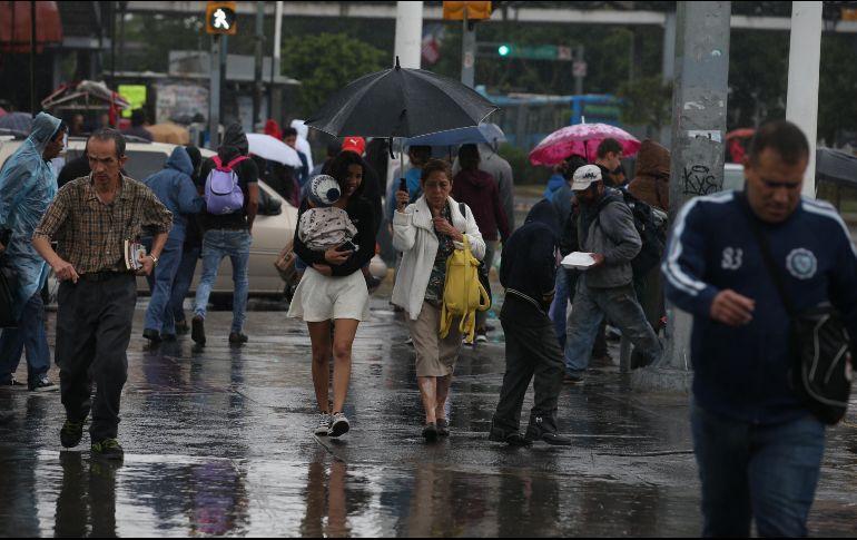 Continuará clima frío, lluvias y granizo en la capital