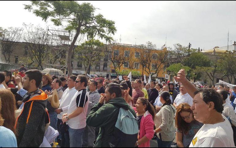 De acuerdo con cifras de los bomberos tapatíos, a la manifestación acudieron aproximadamente dos mil 700 personas. EL INFORMADOR/N. MARTÍN DEL CAMPO