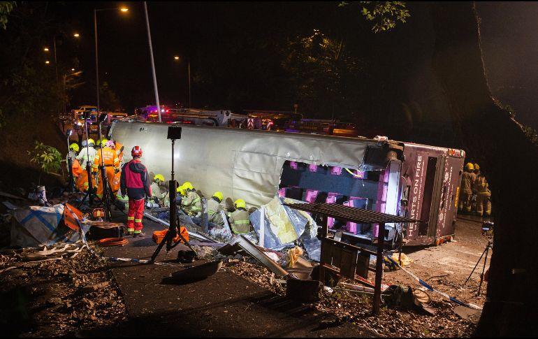 Terrible accidente de tránsito deja 15 muertos en Hong Kong [FOTOS]