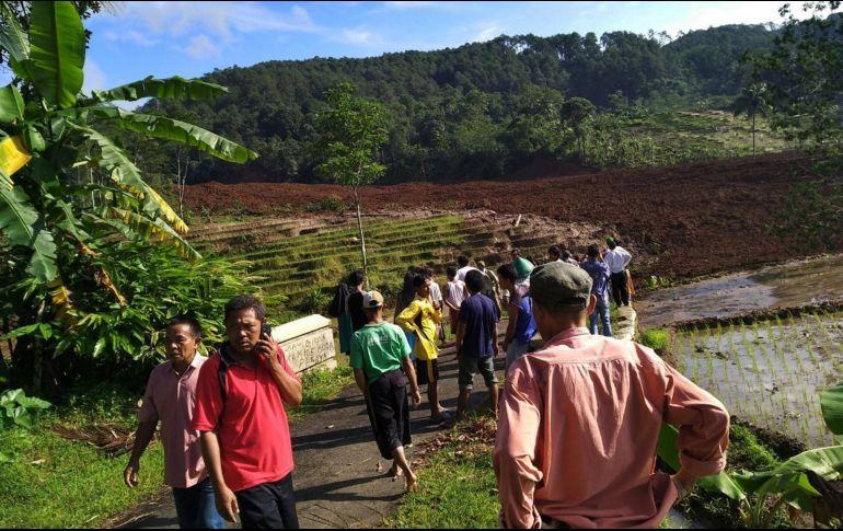 Gran alud en Indonesia deja 11 desaparecidos y 14 heridos
