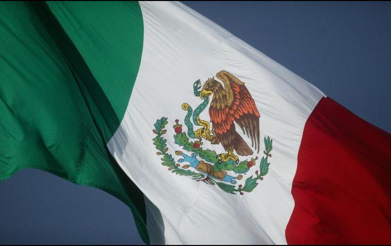 Izan bandera con escudo al revés