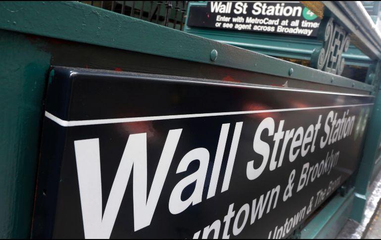 Wall Street despide al inestable febrero