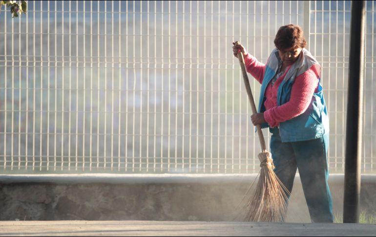 Trabajadores del hogar piden garantizar salario bien for Formulario trabajadores del hogar