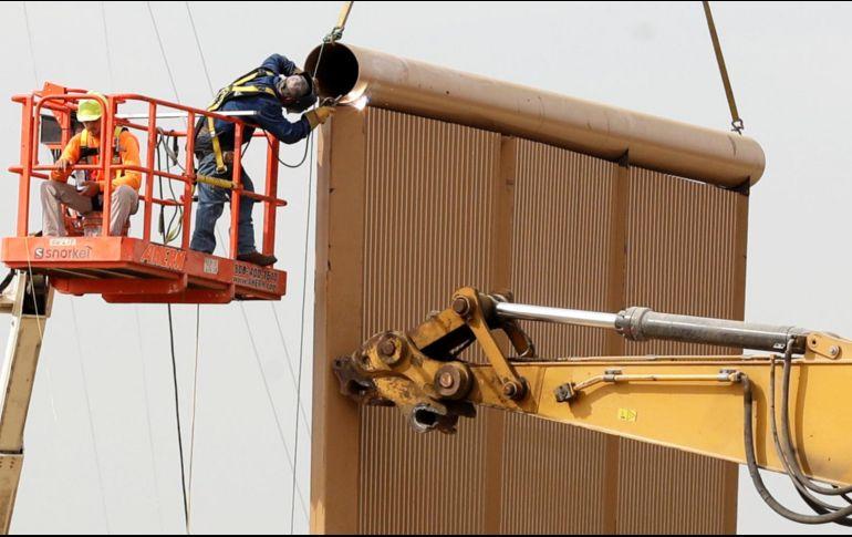 Seis empresas han construido ocho modelos posibles para el muro en un lugar situado a escasos metros del terreno que divide Otay Mesa y Tijuana. AP / ARCHIVO