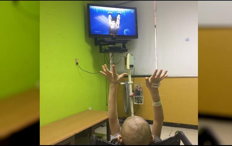 Conmueve niño con cáncer 'ayudando' a Goku