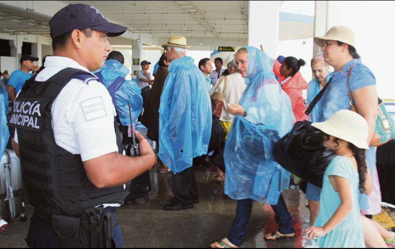 PGR descarta atentado en explosión de ferry en Playa del Carmen