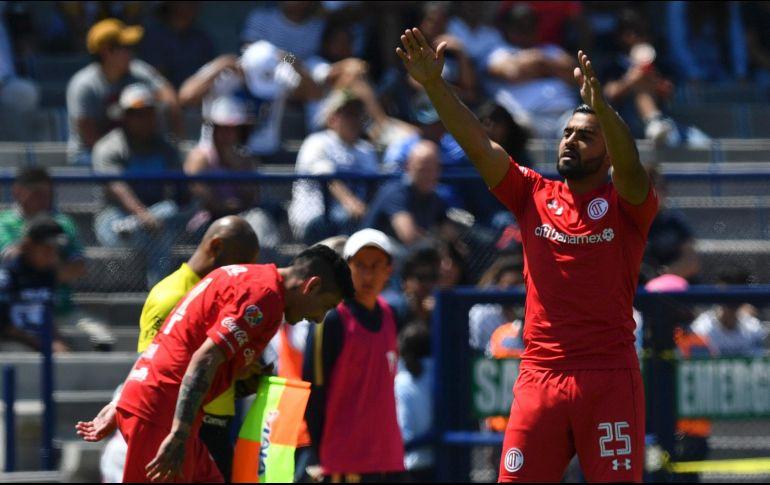 Toluca vence a Pumas y pelea el liderato de la Liga MX