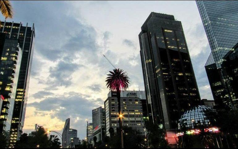 Bolsa Mexicana hila tercera pérdida, cae 0.70%