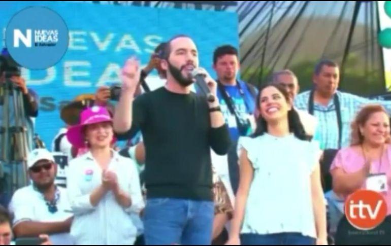 Aspirante presidencial de El Salvador llama