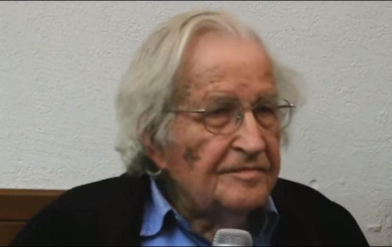 Noam Chomsky dice que AMLO tiene posibilidades de ganar