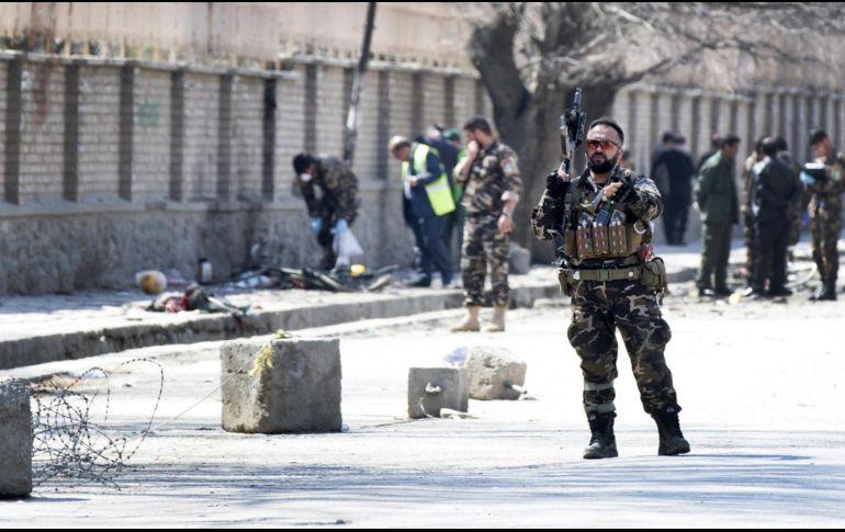 Sube a 26 cifra de muertos en atentado suicida en Kabul