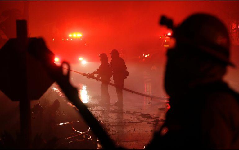 Incendio en centro comercial de Siberia deja 37 muertos