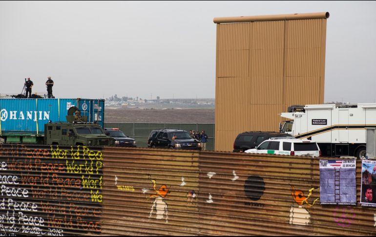 Trump comparte fotos falsas de inicio de construcción de muro