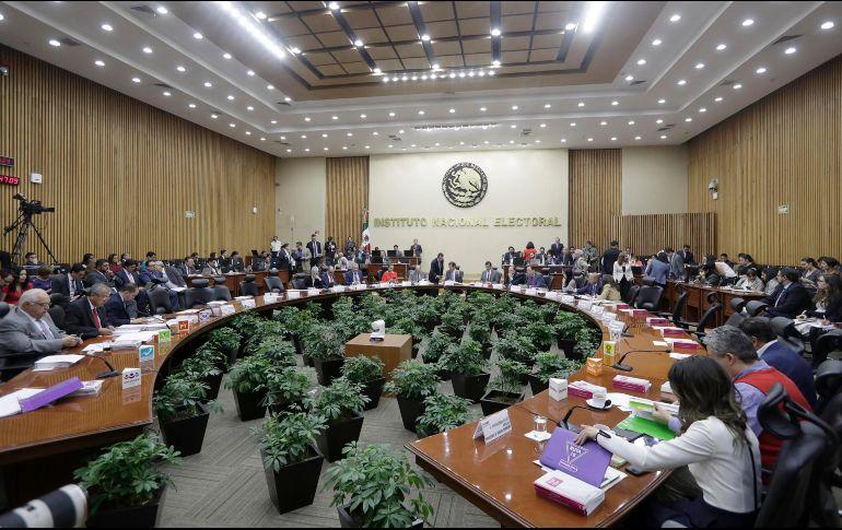 Impone INE multas de 19.4 MDP por anomalías en precampañas