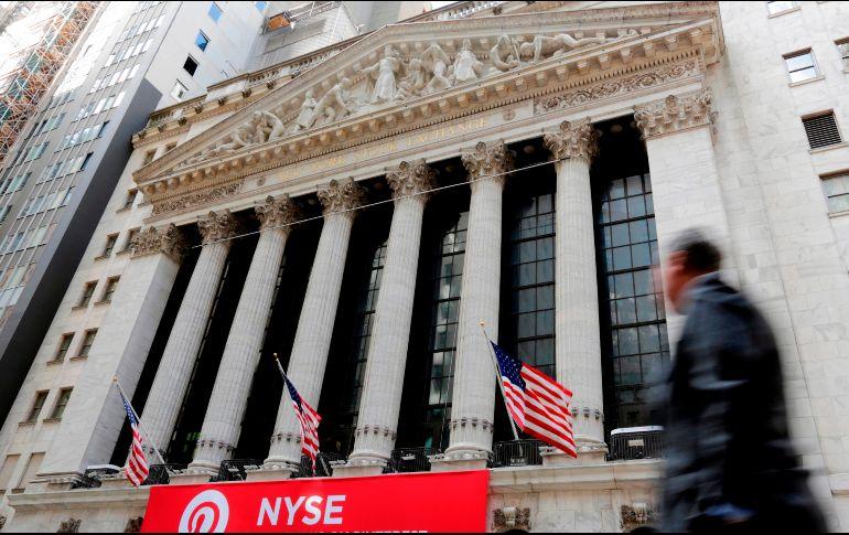 Índices de Wall Street cierran principalmente a la baja