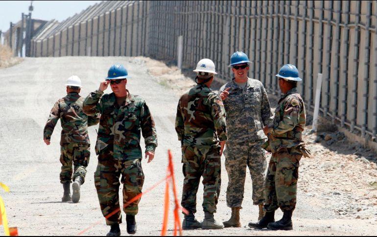 Trump quiere que se desplieguen hasta cuatro mil elementos a la frontera para combatir la inmigración ilegal y el tráfico de drogas. AP / ARCHIVO