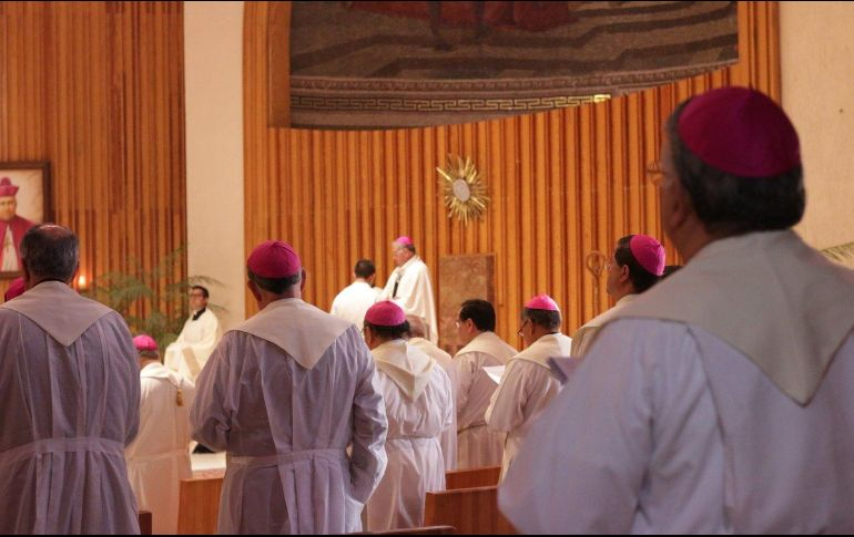 López Obrador llega a reunión con obispos