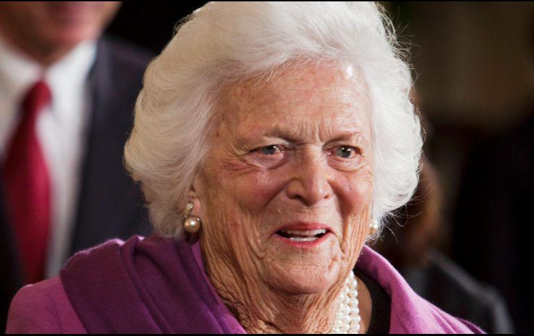Resultado de imagen para ex primera  de Estados Unidos dama Barbara Bush
