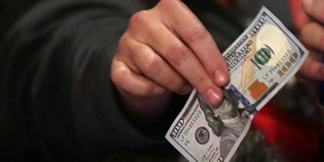 Peso recupera terreno frente al dólar que se vende en 18.39 pesos
